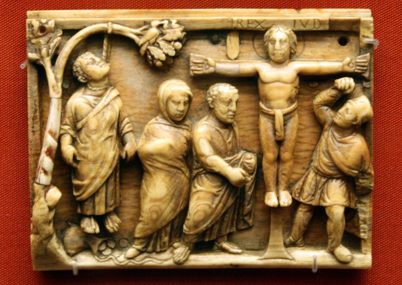 Великая Пятница. Распятие Христа и гибель Иуды. Слоновая кость. Британский музей. 420-430 гг.