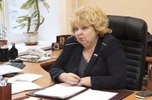 """Депутат Светлана Максимова  """"...если продаете картошку с дачи — платите каждый год государству 50 тысяч!"""""""